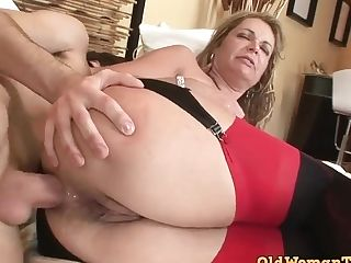 Kelly Leigh Let Youthfull Boy Fuck Her In Hard Way