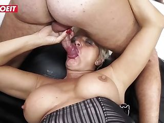 Letsdoeit - Italian Gilf Doesn't Perceive Too Old For Porno...