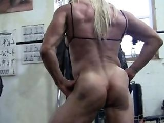 Lacey's Big Clitoris In The Gym